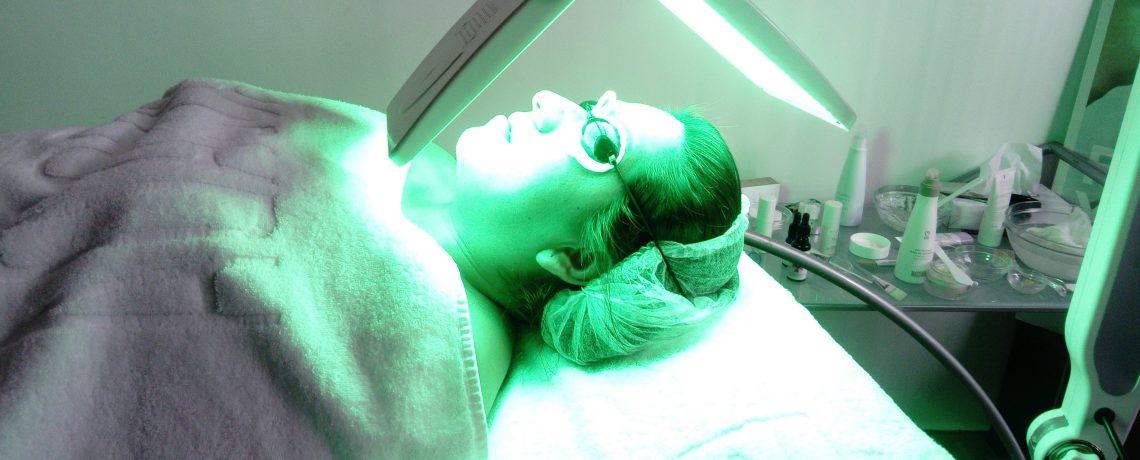 Ciclo de Grado Medio de Estética y Belleza: Cromoterapia