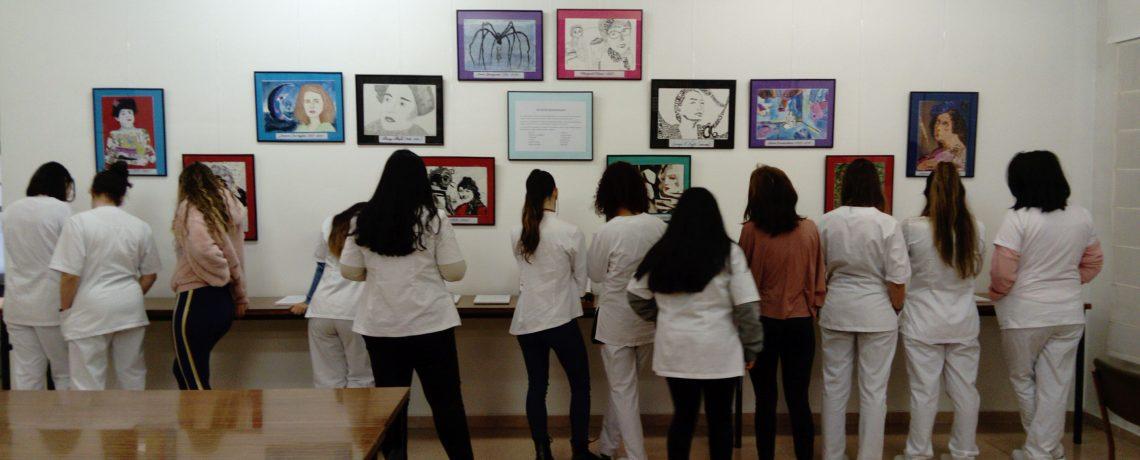 Exposición «Mujeres silenciadas» en la biblioteca del centro